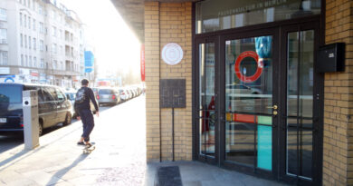 """Exterior view of the innovative workshop space """"Pure Pause"""" in Berlin"""